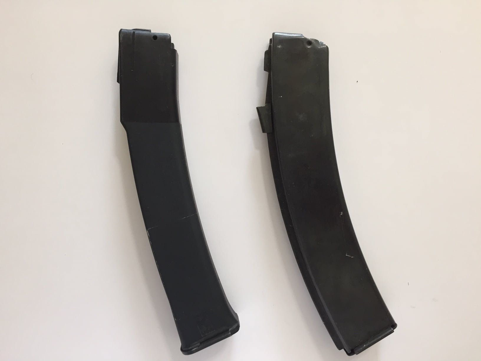 Figure 3 9x19mm Vityaz magazine (Left) mimics the double feed, double column design of the magazine used in the successful 7.62x25mm PPS-43 submachine gun (Right). What's old is new again. Photograph by author.